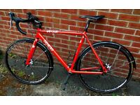 Genesis Vapour 56cm Bicycle, can be used for Cyclocross. In excellent condition.