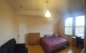 LARGE light double room Willesden Green 3mins walk