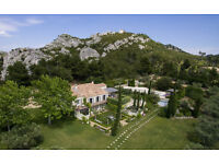 Beautiful property in Mouriès, in Provence Alpilles, 10 persons with sximming pool