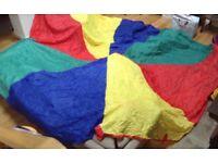 Play giant rainbow parachute
