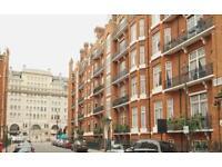 5 bedroom flat in Chiltern Street, London, W1U