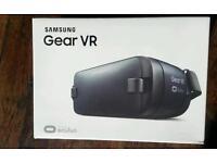 Samsung gear vr head set in box brand new