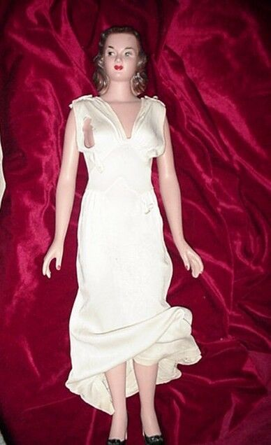 RARE VINTAGE MANNEQUIN MINIQUIN DOLL COUNTER STORE DISPLAY LUXITE