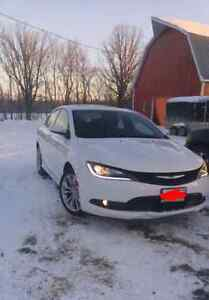 Fully loaded 2015 Chrysler 200s with 5 year warranty!!
