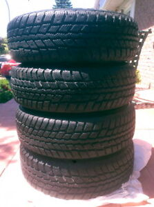 4 winter tires the Tires very clean with rims .. 195 / 65r 15