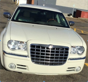 2008 Chrysler 300-Series HEMI C AWD 4D Sedan