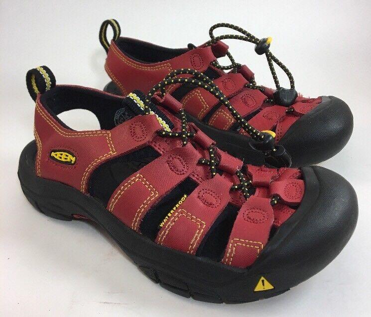 KEEN Newport Youth Waterprrof Hiking Sandals Sz US 2 Red/Black Leather/Rubber