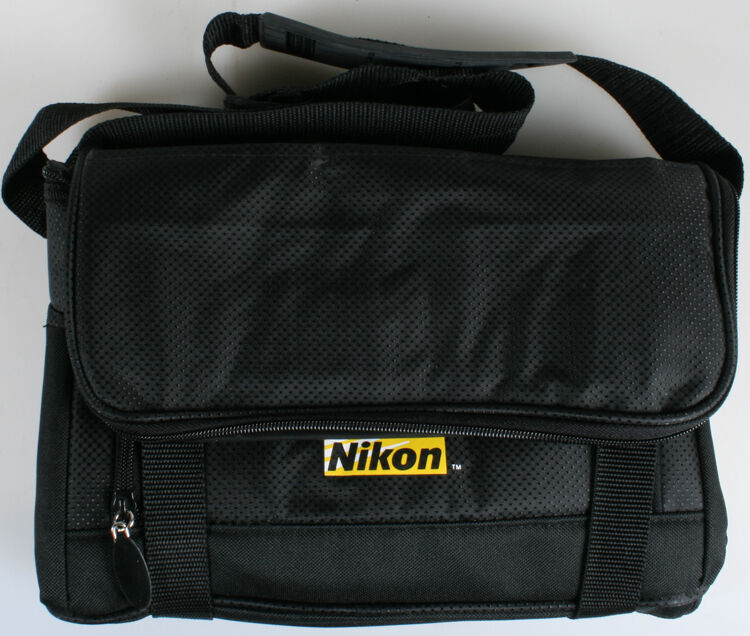 NIKON PACKABLE BLACK COOLER
