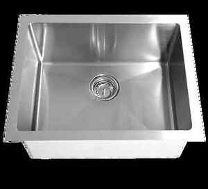 Stainless kitchen sink NEW IN THE BOX 70%