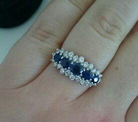 18ct Yellow Gold 5 Sapphires and Diamonds ring