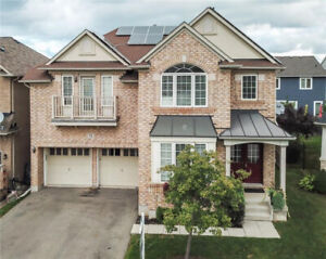 WALK TO THE LAKE AND MARINA FROM THIS 4 BED+LOFT & 4 BATH HOME!