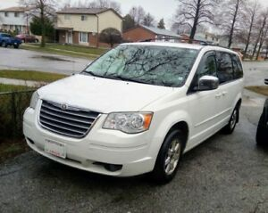 2008 Chrysler Town Country - White on Grey Leather 7 Seater