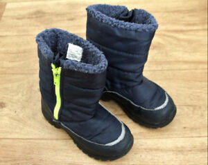 Kids winter boots; size 13