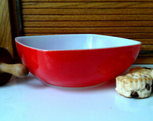 50's Vintage Pyrex-B-37 Square Red 2 1/2 Quart Bowl