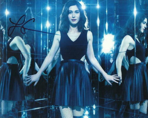 LIZZY CAPLAN.. Now You See Me 2 - SIGNED