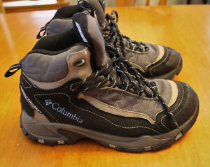 Columbia Hiking Boots, Women's 8.5, Excellent Condition!