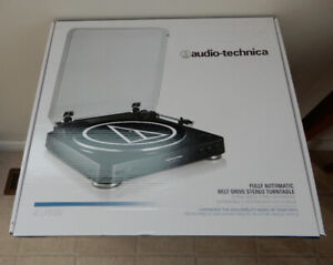 Audio Technica automatic turntable  AT-LP60bk