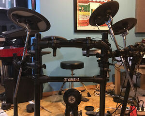 Yamaha DTX 522 Electric Drum Set