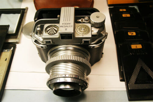 Kodak Medalist II w Ektar 100mm f3.5 & Accessory Back Extension Unit Super Clean