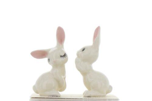 Hagen Renaker Miniature Rabbit Love Bunnies Ceramic Figurine Set