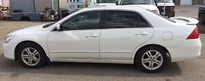 2007 Honda Accord Exl loaded. 4 Cylinder