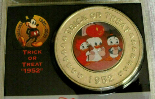 2000 Disney Store Decades Coin #19 1952 Trick or Treat Donald Duck Halloween
