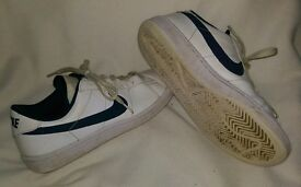 2 pairs of boys NIKE trainers junior size 5