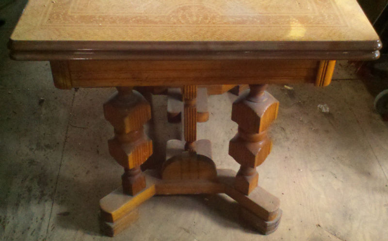 MAGNIFICENT VINTAGE METAL TOP KITCHEN TABLE  2 LEAFS