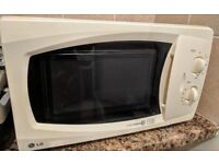 microwave LG used, in good working condition