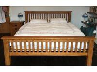 Oak bedroom furniture: superkingsize bed (& mattress), wardrobe, chest of drawers, 2 bedside tables