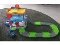 little tikes car garage & car