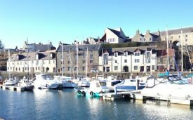 2 bed partially furnished ground floor flat, facing Banff Mariner. Superb seaviews