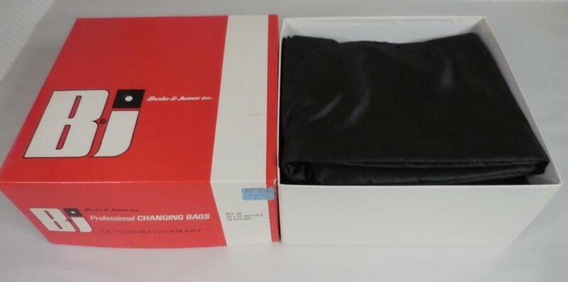 Burke & James Portable Photo Darkroom Professional Film Changing Bag #25 in Box!