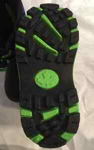BRAND NEW KIDS' SIZE 7 WINTER BOOTS!! Peterborough Peterborough Area image 5