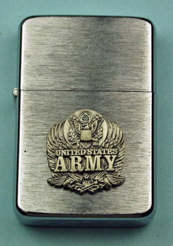 ARMY WIND PROOF PREMIUM LIGHTER IN A GIFT BOX   SBC003