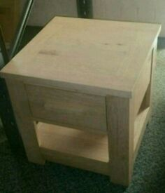 A brand new excellent quality 1 drawer side lamp table.