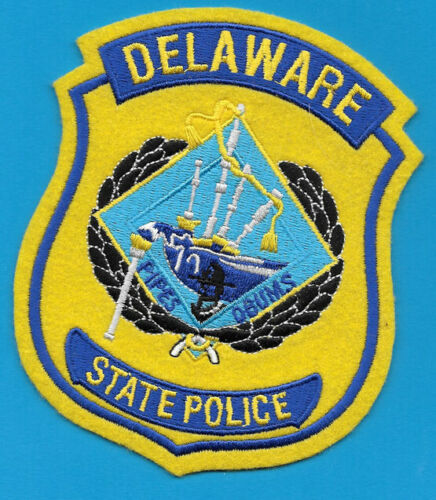 DELAWARE STATE POLICE PIPES AND DRUMS MISSPELLED DSP SP DE DAL THE R IS A B