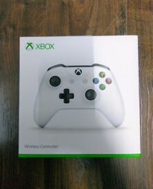 XBOX ONE WIRELESS CONTROLLER - BRAND NEW SEALED - (COMPATIBLE WITH WINDOWS 10 DEVICES)