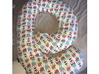 By Carla owl pattern pregnancy pillow