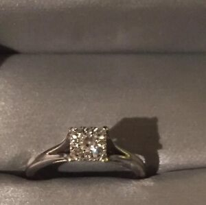 Looking for a square cluster ring