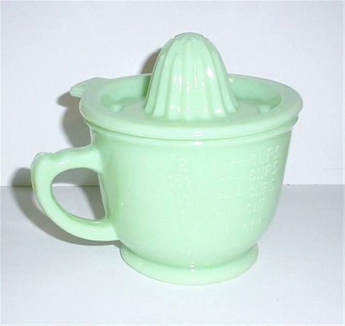 Jadeite Glass 2 Cup Juicer- Reamer