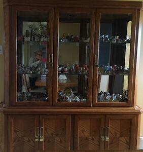 China cabinet and dinning table w/8 chairs