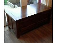 Chest of drawers/coffee table