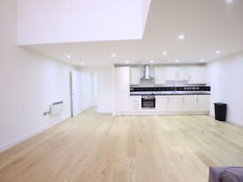 AVAILABLE NOW !! 3 DOUBLE BEDROOM APARTMENT TO LET CONVERTED WAREHOUSE N7
