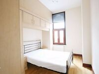 1 Bedroom To Let in Luxurious One Bedroom Penthouse - Islington Green N1