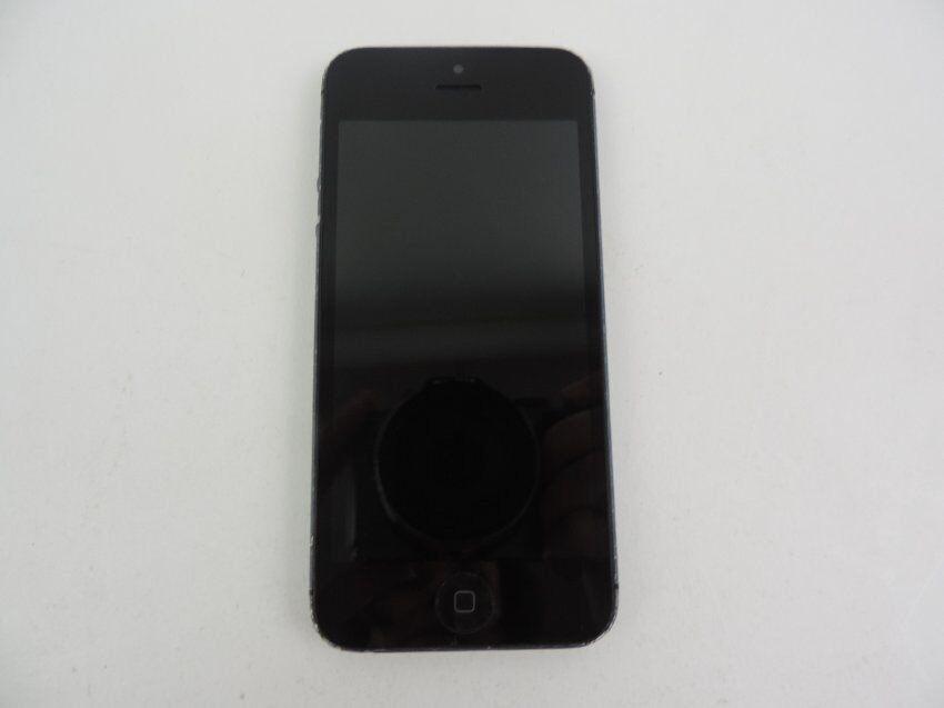 iPhone 5 - 16GB - Black *** on o2 network (Covers o2 & Giffgaff & Tesco phones )
