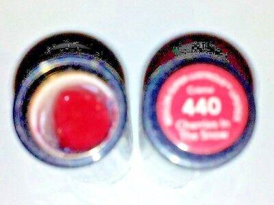 2 Revlon Super Lustrous Lipstick Creme 440 Cherries In The Snow new
