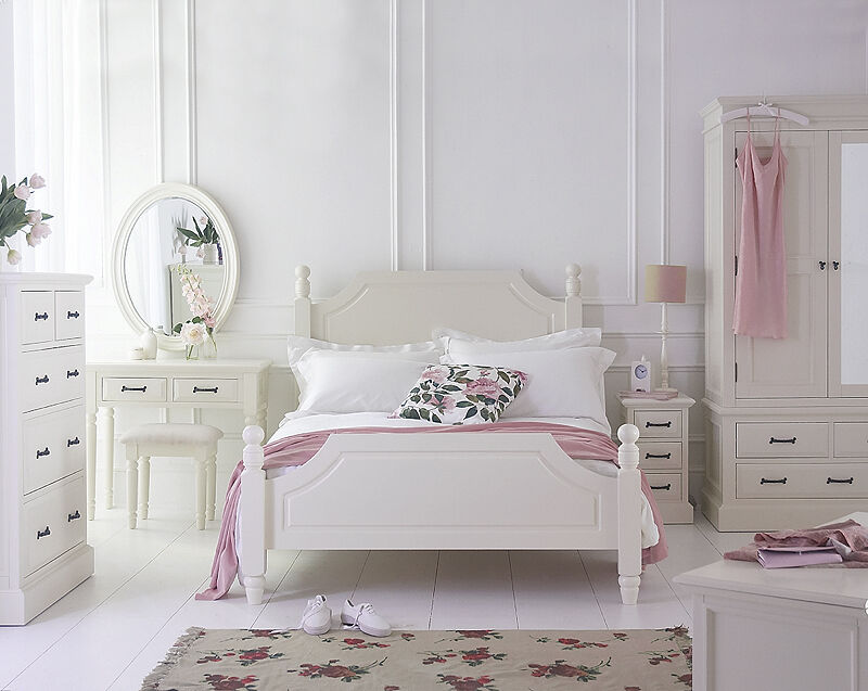 Quality French Louis Furniture From UniqueChic Furniture