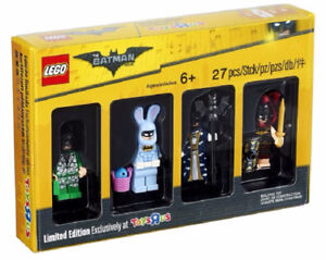 LEGO Bricktober 2017 Toys R Us Batman or Exclusive Print CMF Set