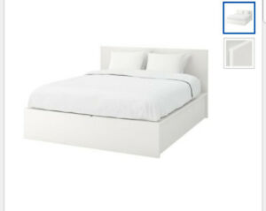 Ikea queen bed wirh 4 drawers, matteress and boxspring